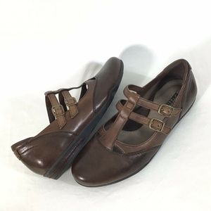 Earth Shoes Mary Jane Brown Leather Double Buckle